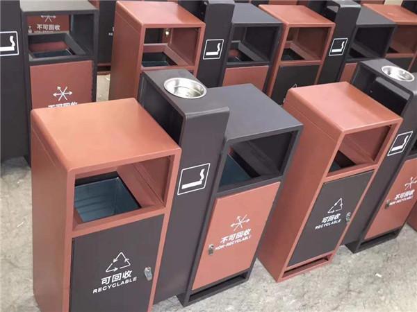 户外垃圾桶使用的优势